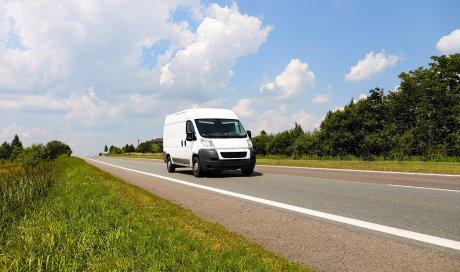 Location de camion avec hayon pour un déménagement